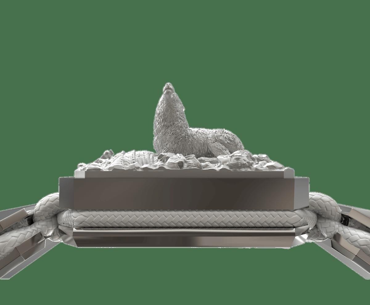 Pulsera Selfmade con cerámica y escultura acabadas en efecto Platino. Hilo blanco.