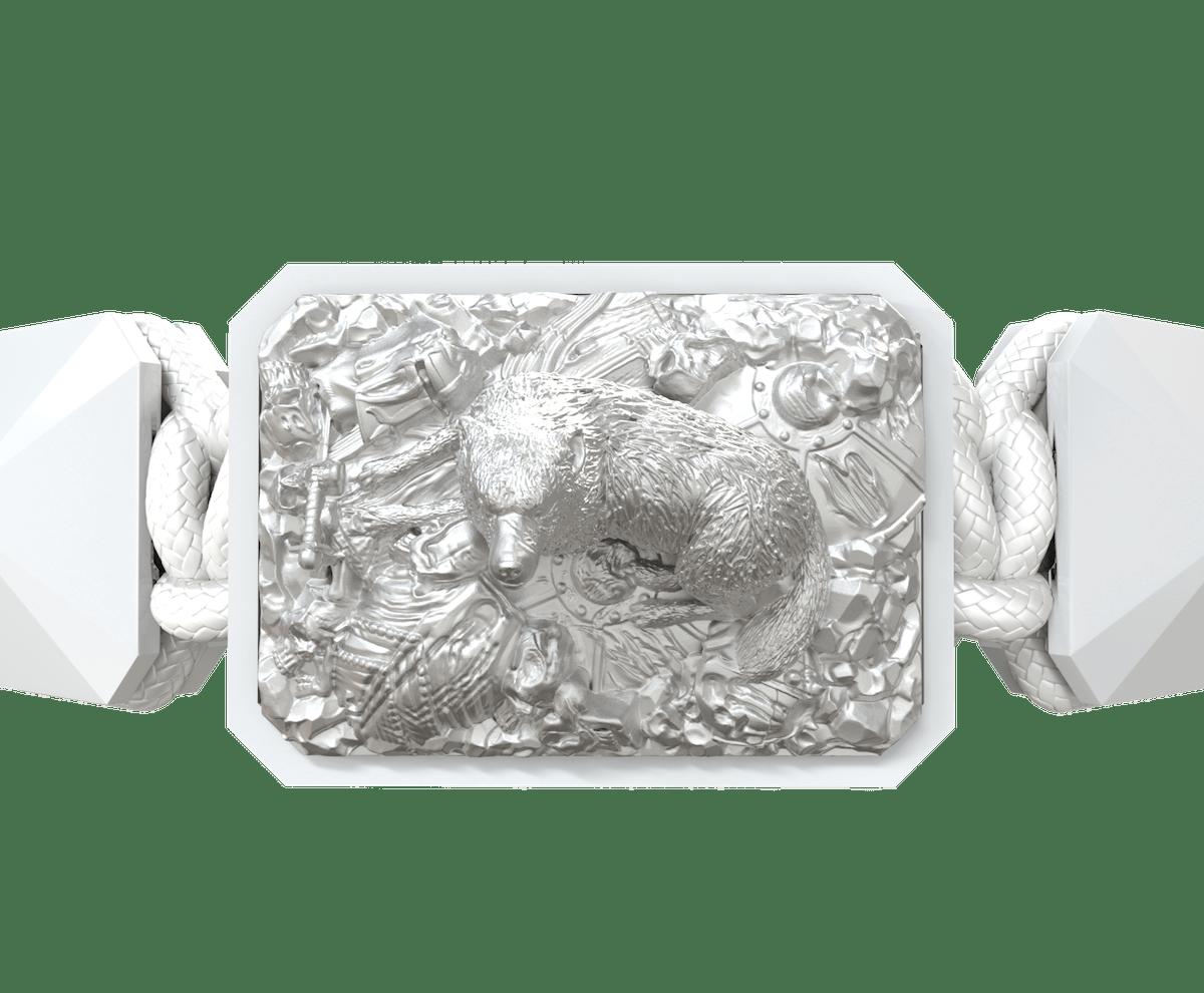 Pulsera Selfmade con cerámica blanca y escultura acabada en efecto Platino. Hilo blanco.
