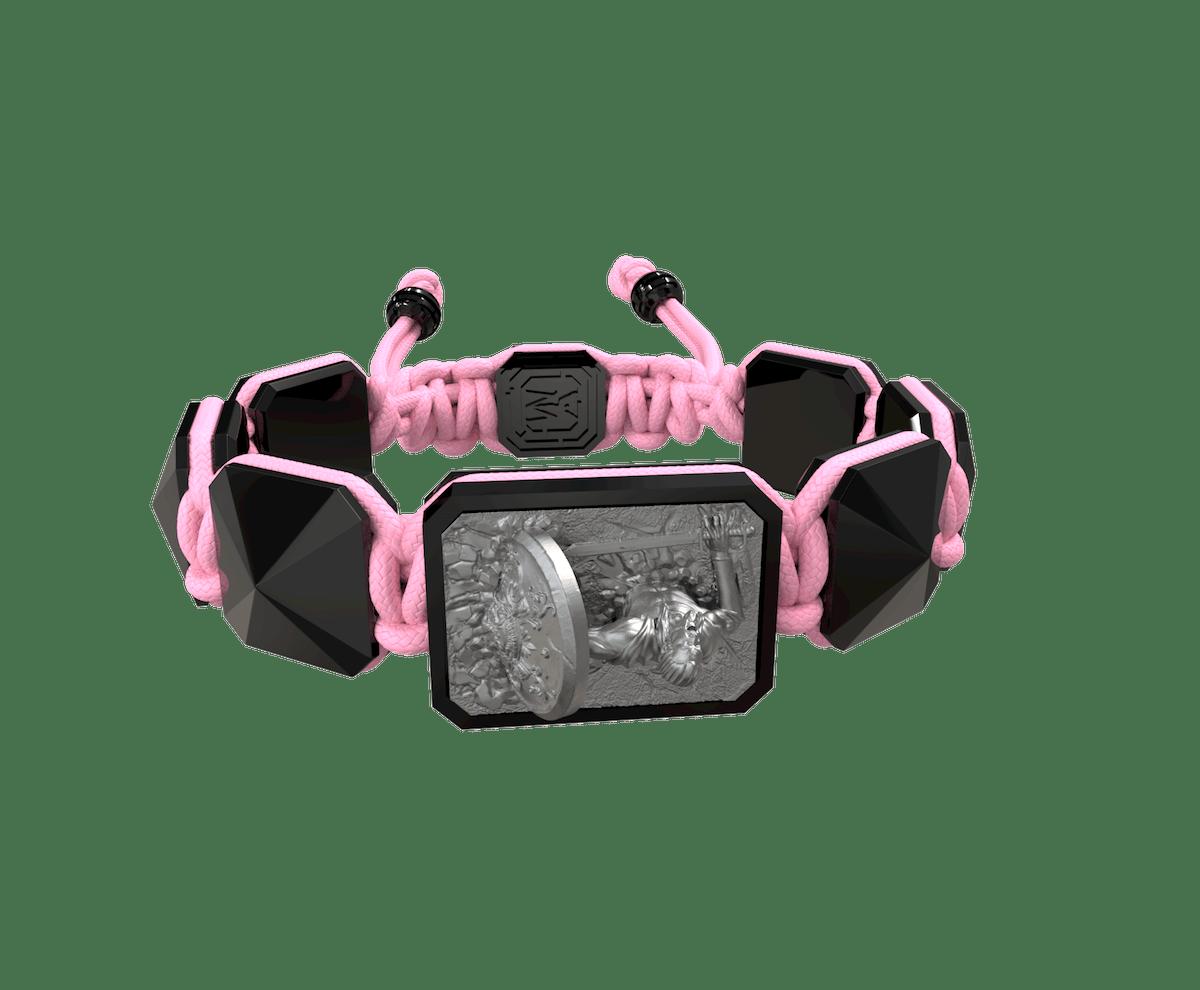 Pulsera I Will Fight till the End con cerámica negra y escultura acabada en color antracita. Hilo rosa.