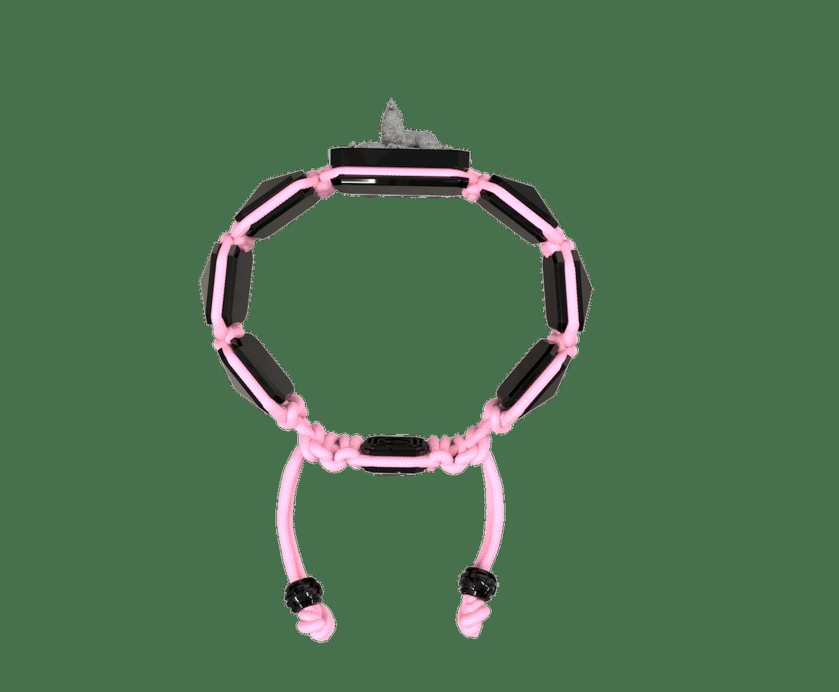 Pulsera Selfmade con cerámica negra y escultura acabada en color antracita. Hilo rosa.