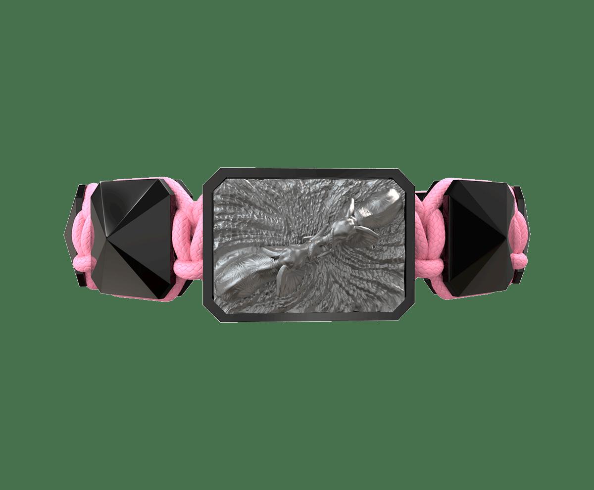 Pulsera Forever In My Heart con cerámica negra y escultura acabada en color antracita. Hilo rosa.
