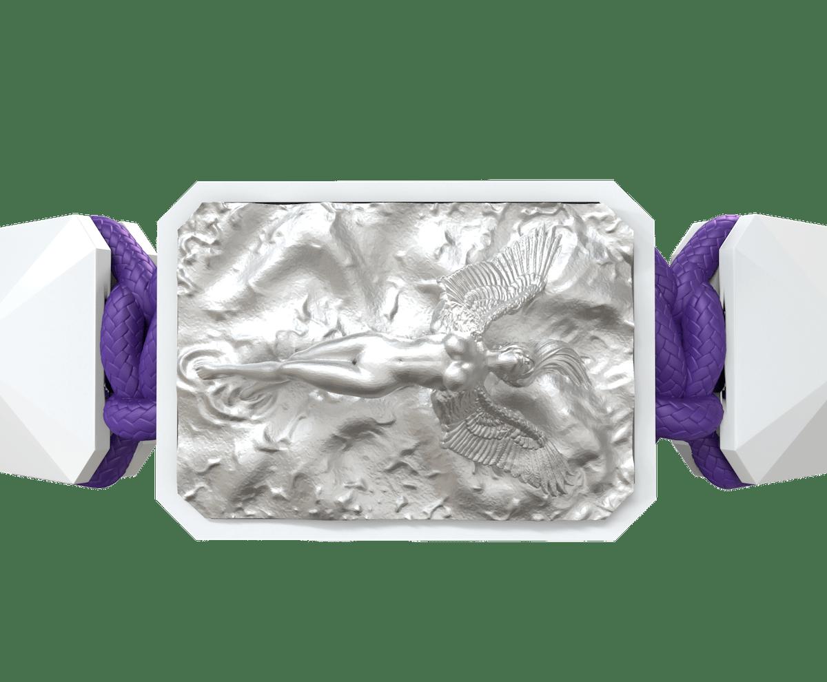 Pulsera I Love Me con cerámica blanca y escultura acabada en efecto Platino. Hilo violeta.
