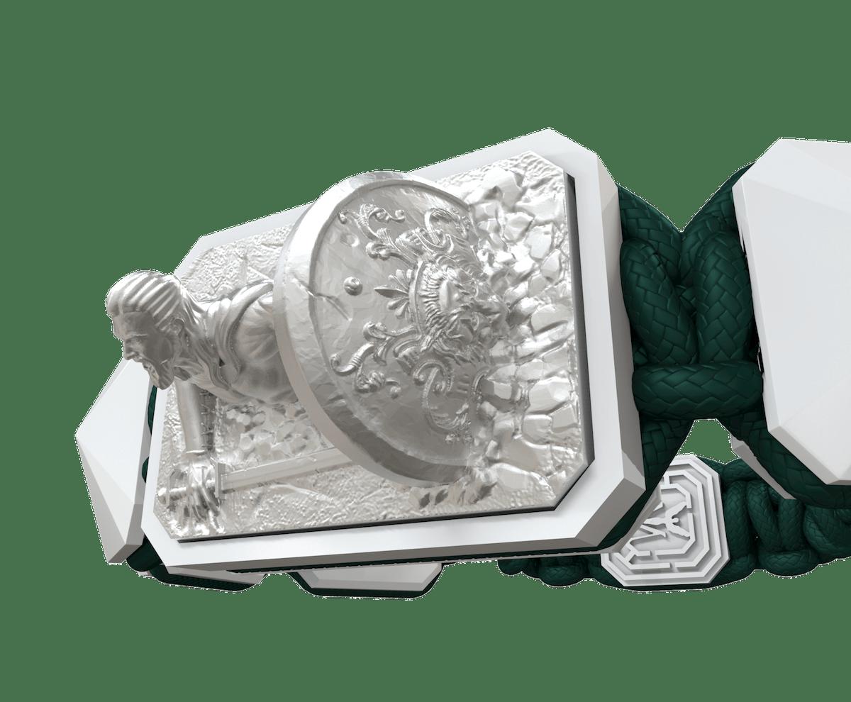 Pulsera I Will Fight till the End con cerámica blanca y escultura acabada en efecto Platino. Hilo verde oscuro.