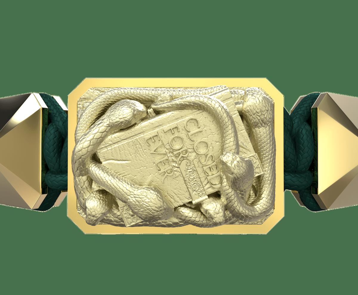 Pulsera I Quit con cerámica y escultura acabadas en Oro Amarillo de 18k. Hilo verde oscuro.
