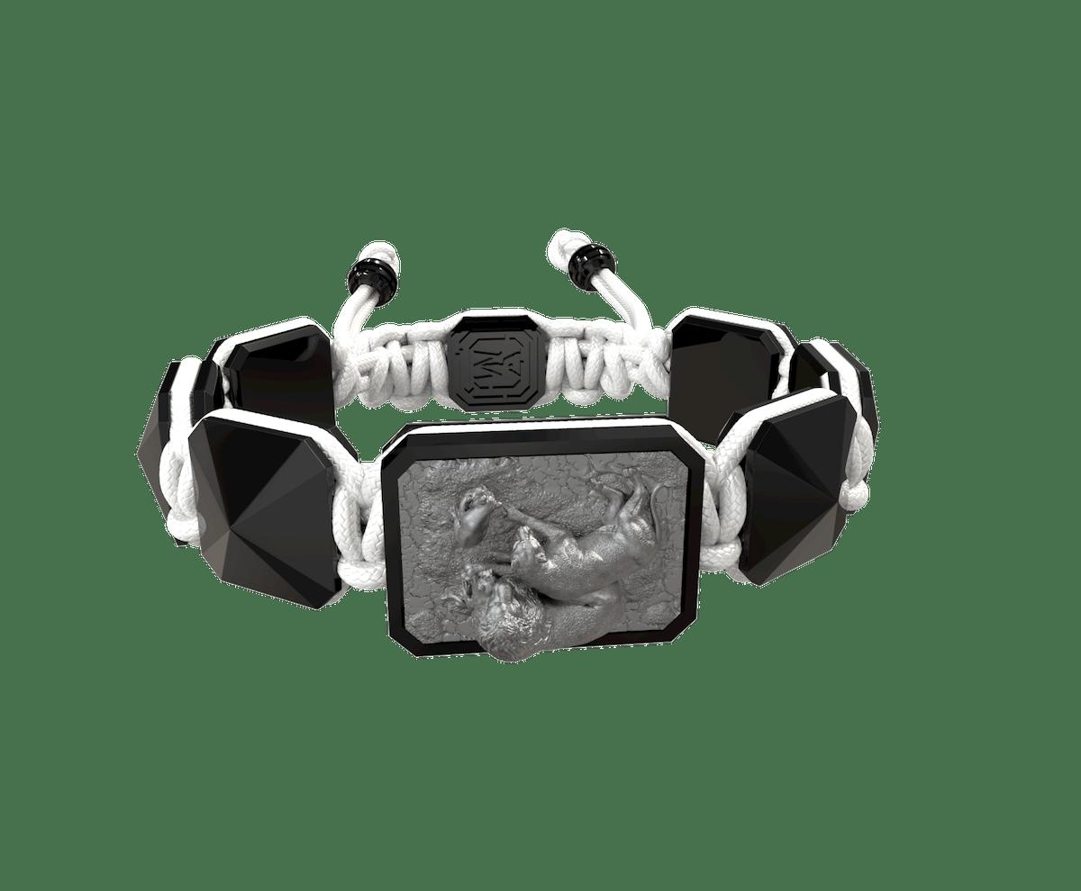 Pulsera My Family First con cerámica negra y escultura acabada en color antracita. Hilo blanco.