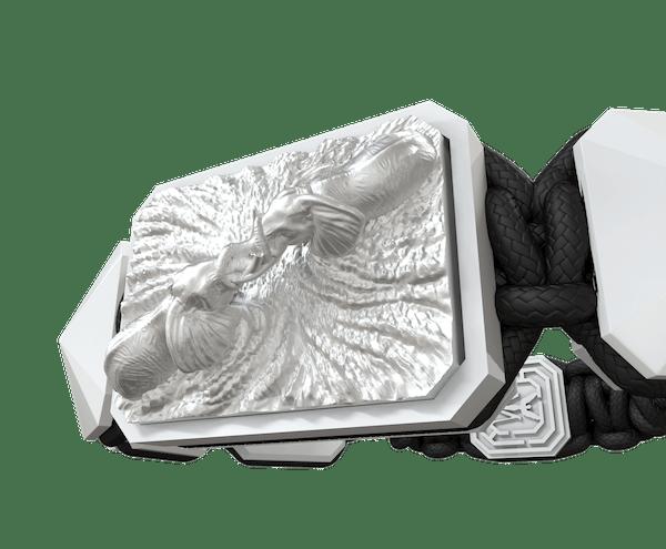Comprar Pulsera Forever in my Heart con cerámica blanca y escultura acabada en efecto Platino. Hilo negro.