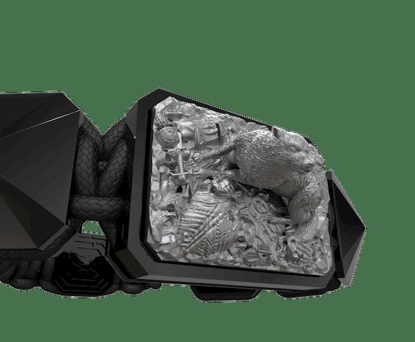 Comprar Pulsera Selfmade con cerámica negra y escultura acabada en color antracita. Hilo negro.