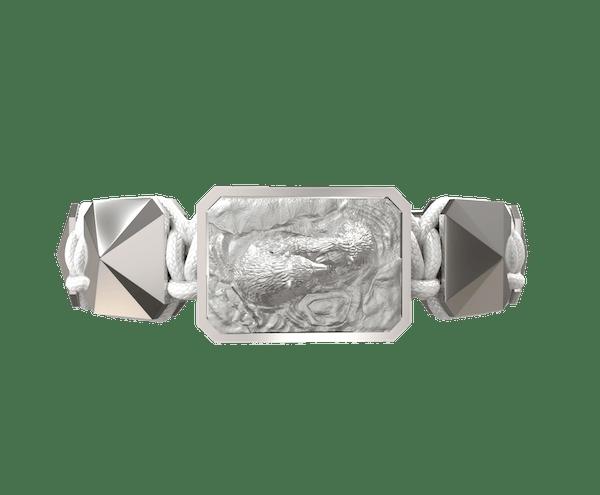 Comprar Pulsera Proud Of You con cerámica y escultura acabadas en efecto Platino. Hilo blanco.