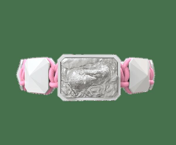 Comprar Pulsera Proud Of You con cerámica blanca y escultura acabada en efecto Platino. Hilo rosa.