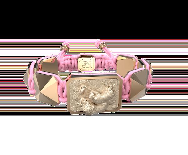 Comprar Pulsera My Family First con cerámica y escultura acabadas en Oro Rosa de 18k. Hilo rosa.