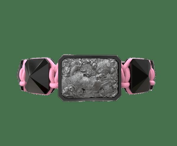 Comprar Pulsera Selfmade con cerámica negra y escultura acabada en color antracita. Hilo rosa.