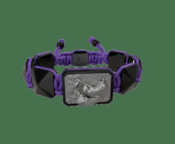 Comprar Pulsera My Family First con cerámica negra y escultura acabada en color antracita. Hilo violeta.