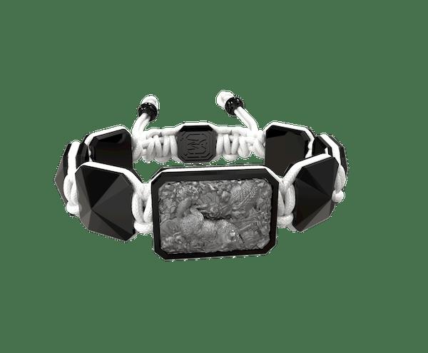 Comprar Pulsera Selfmade con cerámica negra y escultura acabada en color antracita. Hilo blanco.