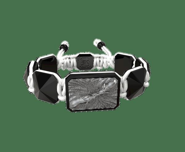 Comprar Pulsera Forever In My Heart con cerámica negra y escultura acabada en color antracita. Hilo blanco.