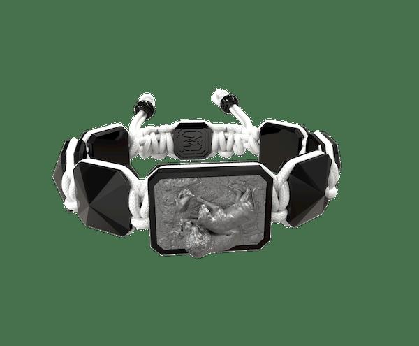 Comprar Pulsera My Family First con cerámica negra y escultura acabada en color antracita. Hilo blanco.